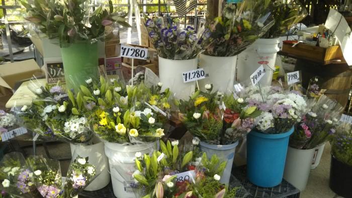 お盆の切り花
